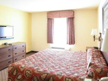 Апартаменты Mountain Inn & Suites Airport - Hendersonville