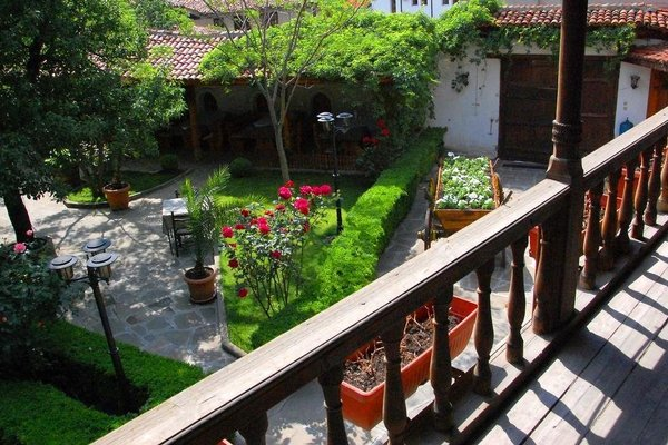 Chakarova Guest House - фото 4