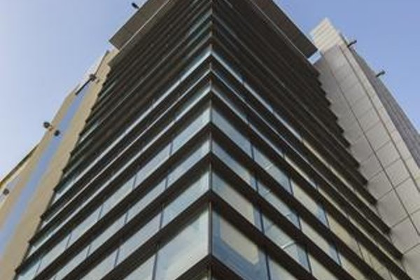 Park Inn by Radisson Hotel Apartments (ех. Golden Tulip Suites) - фото 29