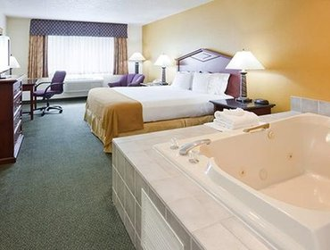 Апартаменты Quality Inn & Suites Eagan