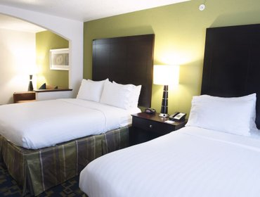 Апартаменты Holiday Inn Express and Suites Urbandale Des Moines