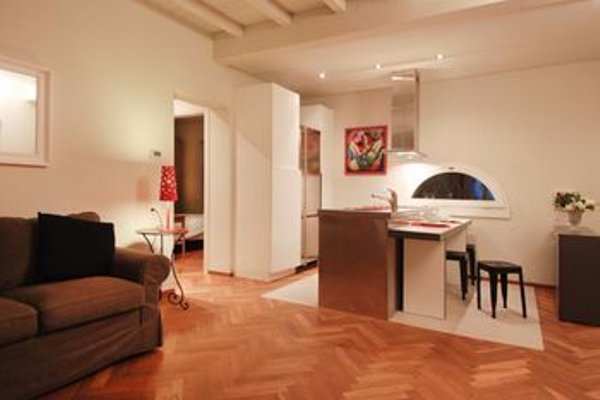 Piazza Grande Apartment - 11
