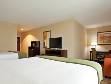Апартаменты Holiday Inn Express Hotel & Suites Franklin