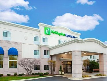 Апартаменты Holiday Inn Express Hotel & Suites Chicago-Libertyville