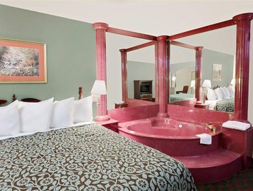 Апартаменты Days Inn & Suites Opelousas