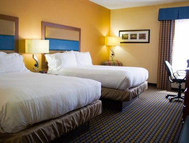 Апартаменты Holiday Inn Express Hotel & Suites Sanford