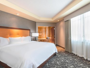 Апартаменты Embassy Suites St. Louis-St. Charles/Hotel & Spa
