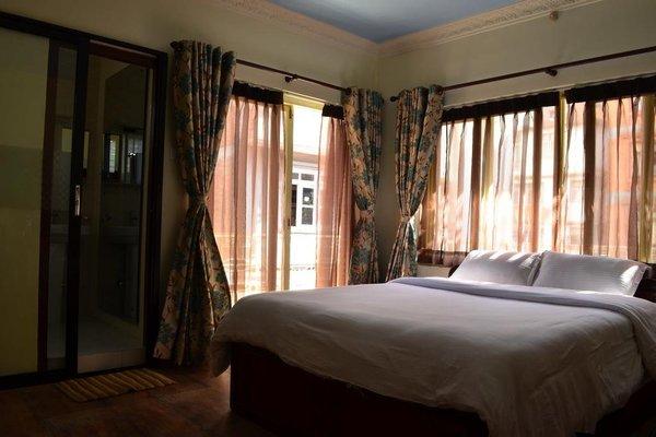 327 Thamel Hotel - фото 3