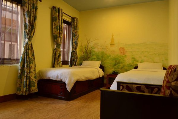 327 Thamel Hotel - фото 4
