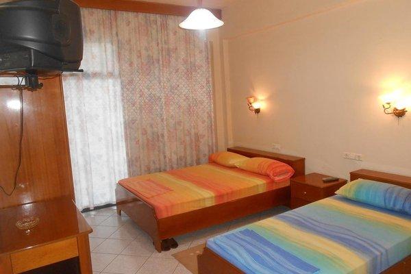 Hotel Ari - 4