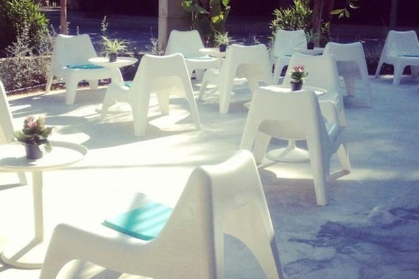 Babalu Sitges Beach Hostel - фото 15