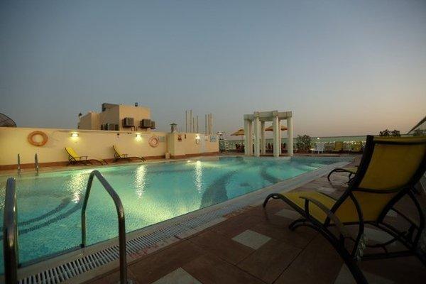 Апарт-отель Dunes Hotel Apartments Muhaisnah - 19