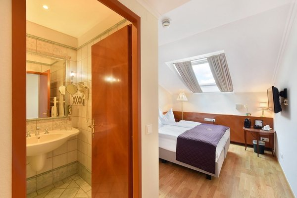Hotel Am Schubertring - 11