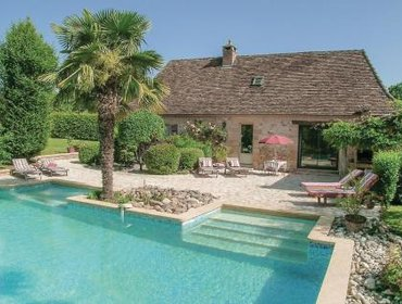 Guesthouse Holiday home Fleurac K-633