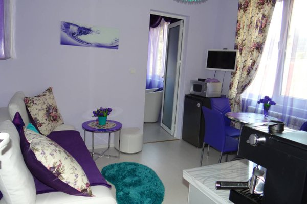 Orange Flower Apartments 1 - 4