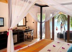 Vilamendhoo Island Resort & Spa фото 2
