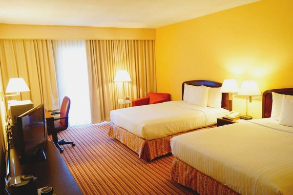 Hampton Inn Monterrey-Airport - фото 50