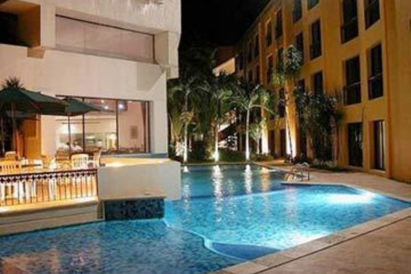 Capital Plaza Hotel - фото 21
