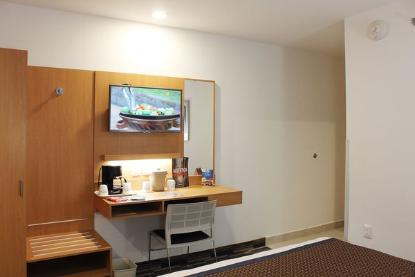 Microtel Inn and Suites Culiacan - фото 5