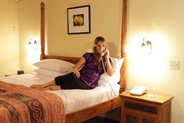 Tradewinds Hotel - 3