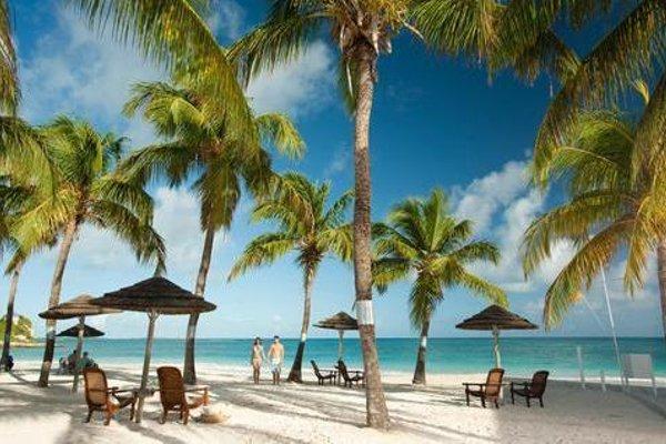 Pineapple Beach Club - All Inclusive - 23