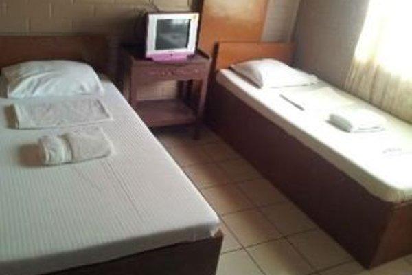 La Maria Pension Hotel - фото 4