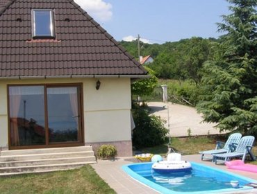 Апартаменты Holiday home Balatonalmadi 5