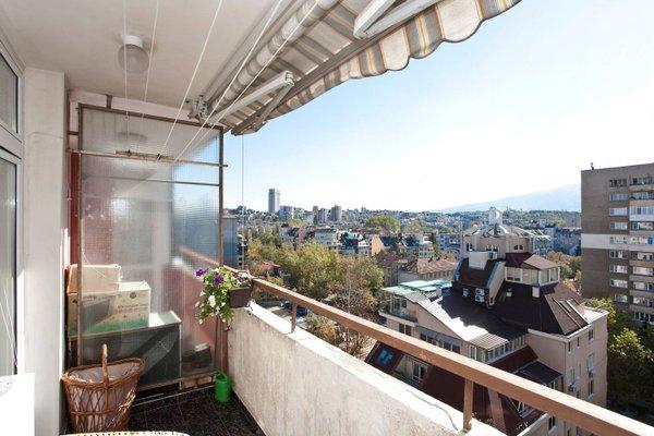 Panoramic Downtown Vitosha Apartment - фото 10