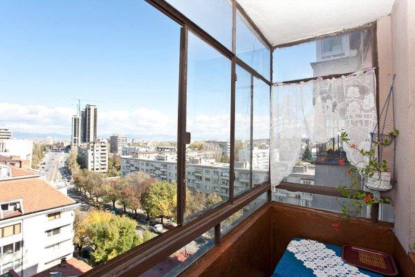 Panoramic Downtown Vitosha Apartment - фото 15