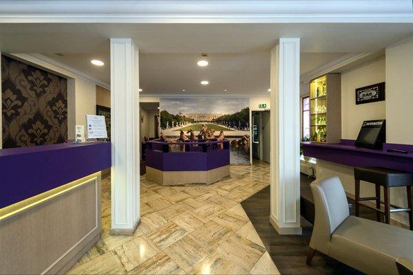 Royal Hotel - 15