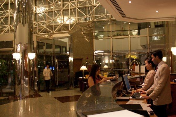 Avari Dubai Hotel - фото 10