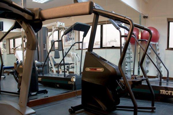 Avari Dubai Hotel - фото 18