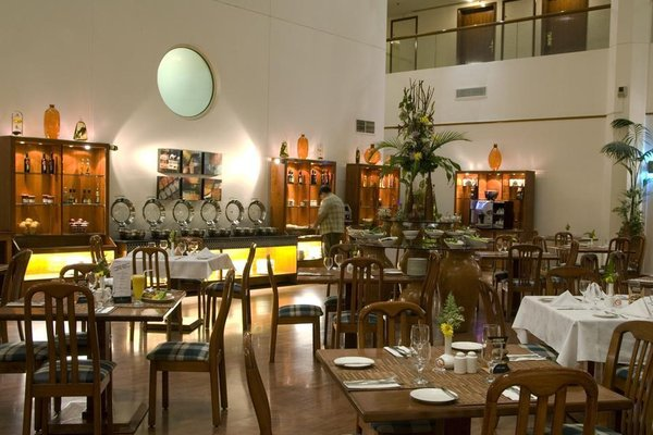 Avari Dubai Hotel - фото 6