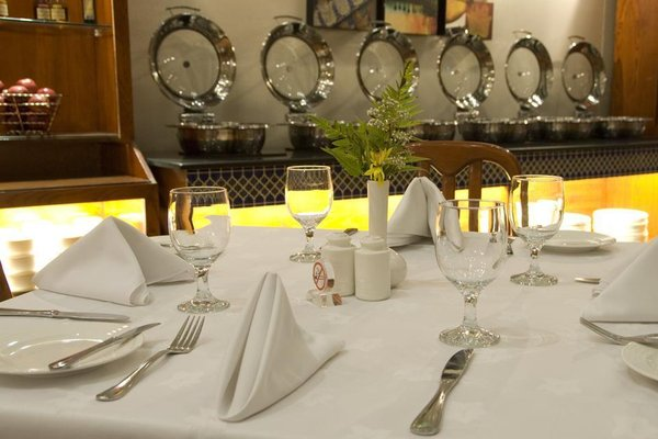 Avari Dubai Hotel - фото 8