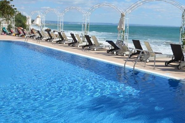 Bogdan Apartments in Riviera Bay - фото 39