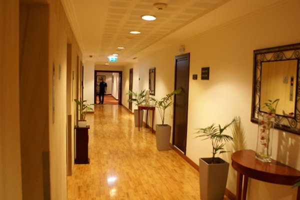 Star Metro Deira Hotel Apartments - фото 13