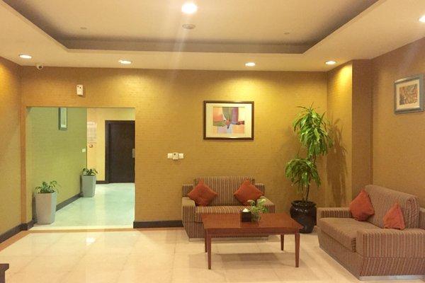 Star Metro Deira Hotel Apartments - фото 6