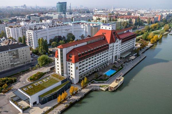 Hilton Vienna Danube Waterfront - фото 21
