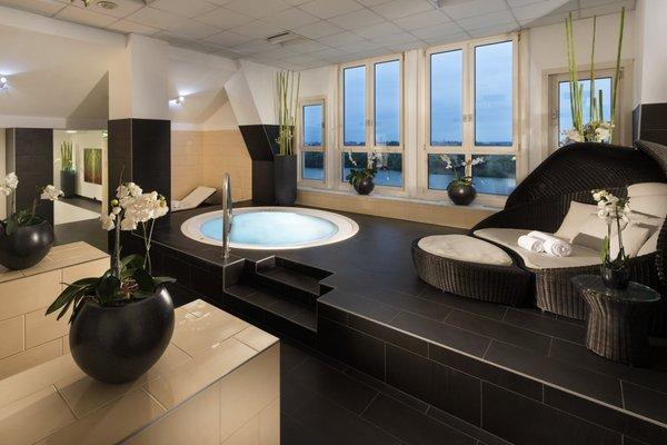 Hilton Vienna Danube Waterfront - фото 8