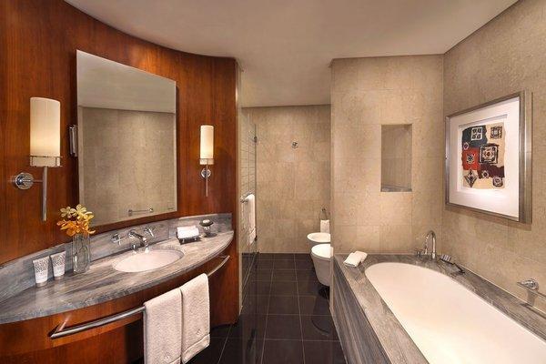 Jumeirah Emirates Towers - фото 6