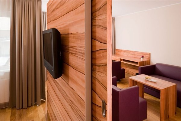 Pakat Suites Hotel - фото 9