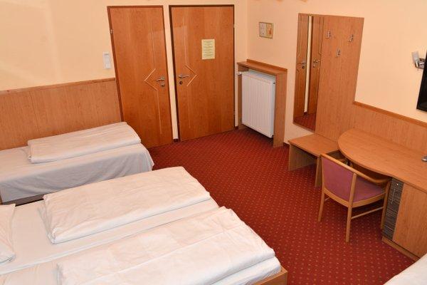 Hotel Cryston - 4