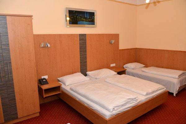 Hotel Cryston - 6