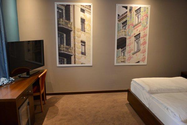 Hotel Cryston - 8