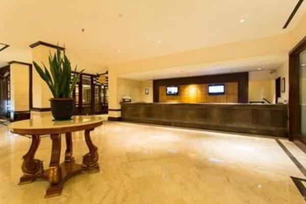 Le Grandeur Hotel Balikpapan - 11