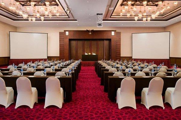 Le Grandeur Hotel Balikpapan - 13