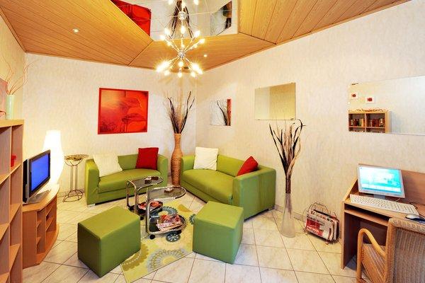 HOTEL FRANZENSHOF - 8