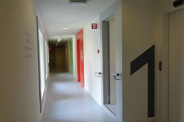 Snuffel Hostel - фото 4