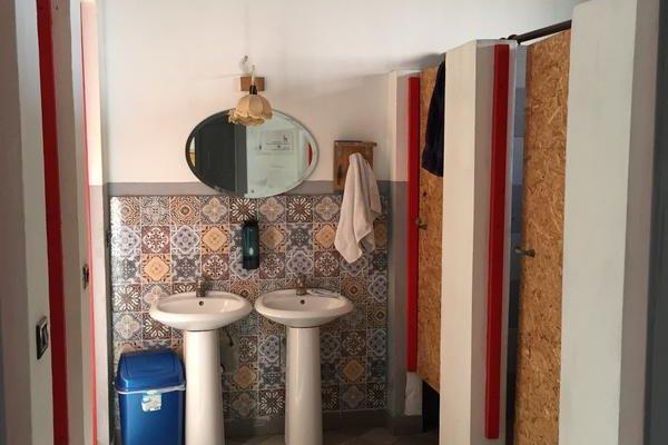 Tirana Backpacker Hostel - 8