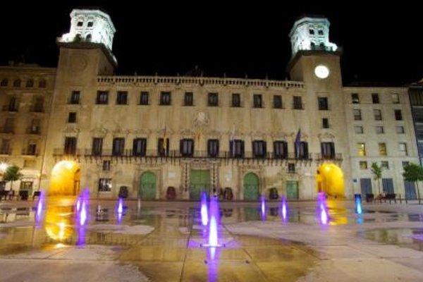 Pension Ayuntamiento - фото 21